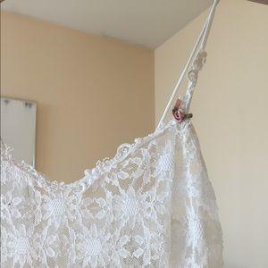 White lace shift dress 🌷